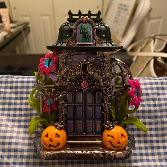 Bath & Body Work Spooktakular Haunted Conservatory